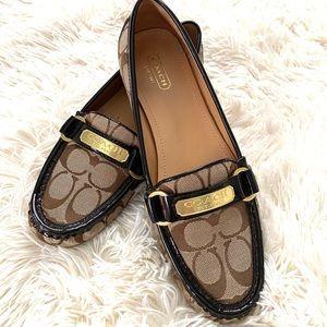 COACH•Felicia signature logo flat loafers 8.5 EUC